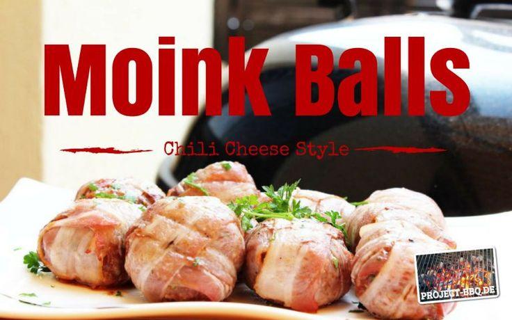 Frisches Rinderhack mit einem Kern aus Chili und Käse, frischen Kräutern und das Ganze umhüllt von saftigem Bacon, dass sind Moinkballs!