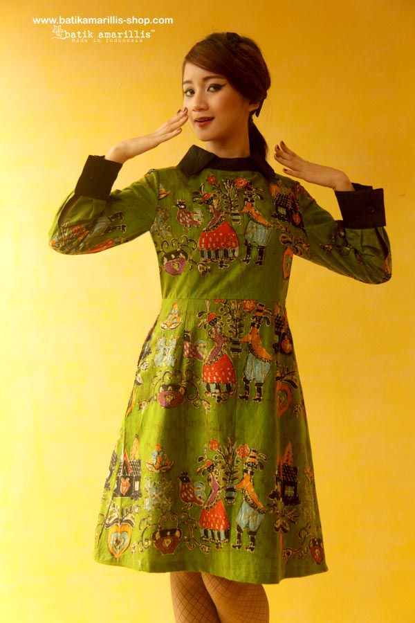Batik Amarillis's Wednesday dress ... Chic dress accented with a crisp contrast collar and matching cuffs. material : hand drawn batik wonogiri Dutch folk art  series available at Batik Amarillis webstore/website on http://batikamarillis-shop.com/