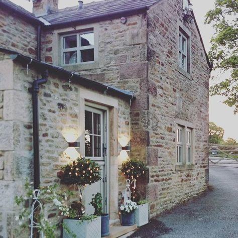 Oltre 25 fantastiche idee su stile cottage inglese su for 2 piani di casa in stile cottage
