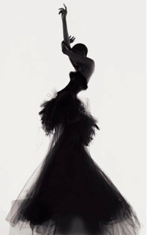 Nick Knight's editorial images, featured in W magazine April 2003 -Versace-. Silhouettes