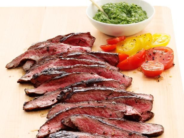 Recipe of the Day: Quick, Juicy Flank Steak          Stick with flank steak when looking to serve beef on a budget and get crowd-pleasing grilling results!           #RecipeOfTheDayFoodnetwork Com Flank Steak, Yummy Food, Salsa Verde, Flanksteak, Food Network Recipe, Cooking Tips, Grilled, Salsaverde, Verde Recipe