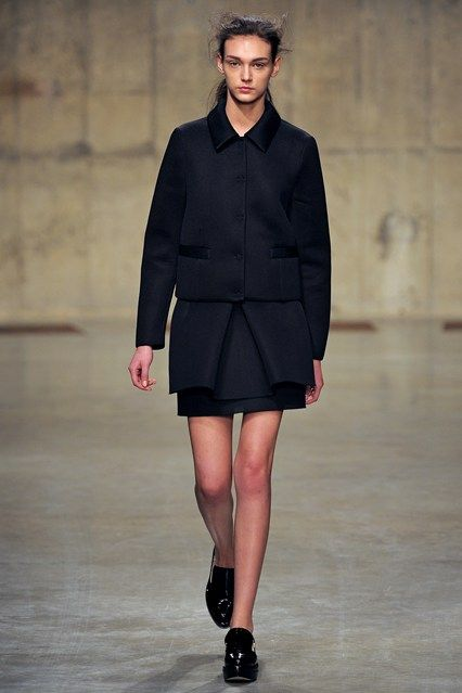 Simone Rocha - www.vogue.co.uk/fashion/autumn-winter-2013/ready-to-wear/simone-rocha/full-length-photos/gallery/934629