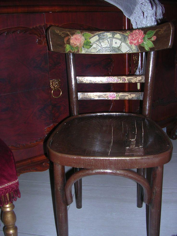 Παλιά καρέκλα! Old chair!