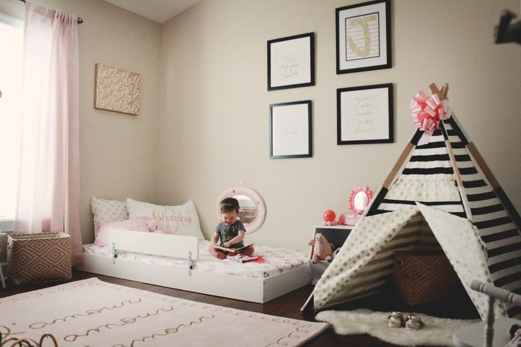 Oh Happy Play - Montessori Themed Bedroom:  A big component to this style room is to make sure everything is baby-proofed. Montessori Style bedroom // Floor bed // Toddler room // Children's decor // toddler floor bed @OhHappyPlay on IG/Pinterest www.ohhappyplay.com