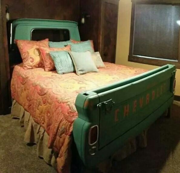 "LOVE! LOVE! LOVE! This ""truck bed"" would be awesome in a country cabin!!"
