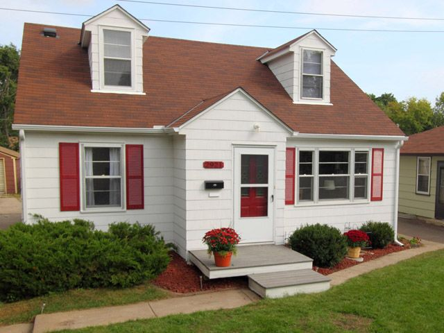 17 best images about captivating cape cod on pinterest for Cape cod house characteristics