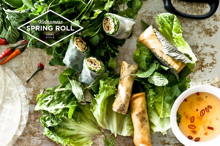 Spring Rolls / I am a Food Blog.  I will never make these but I still want the recipe. I heart these things.