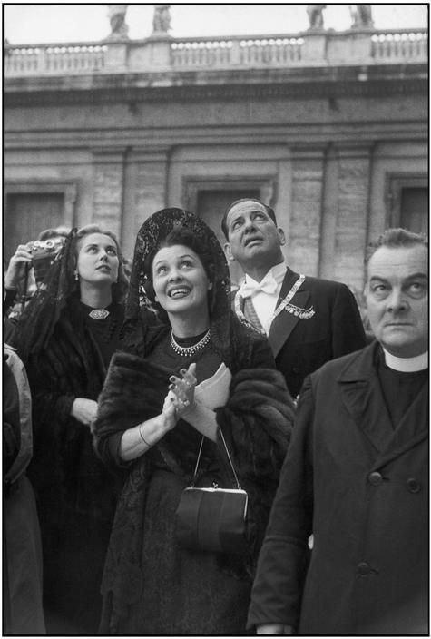 ITALY. Rome. Vatican. The crowning of JOHN XXIII. 1958. Henri Cartier-Bresson