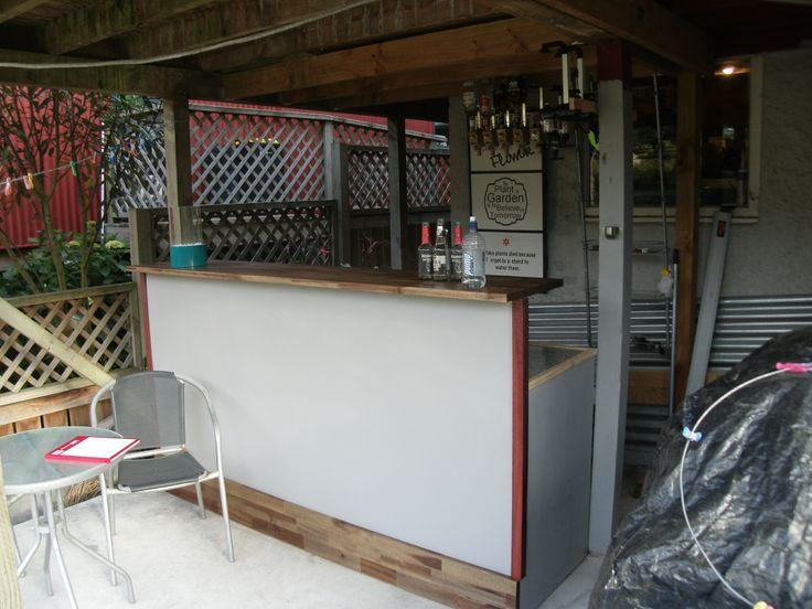 Out Door Bar. http://www.wackywoodworks.co.nz/outdoor_bar.php