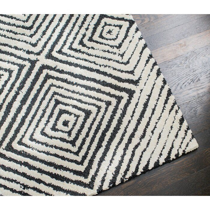 Hand Tufted Black White Area Rug With Images Black Area Rugs