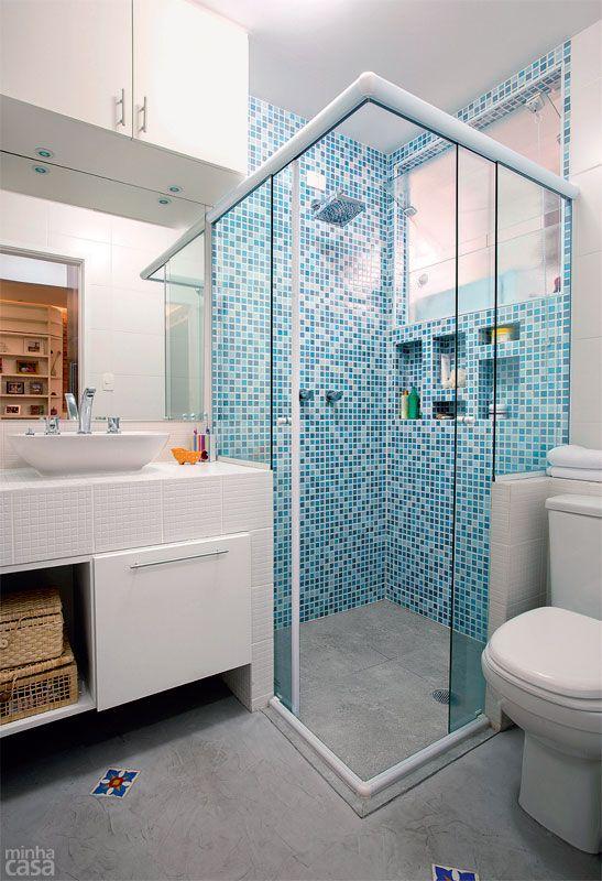 Apartamento Bela Vista de 48 m² em São Paulo / Rafael Castilho Devienne e Raphael Civille Rodrigues - Arquilab Arquitetos #banheiro #bathroom