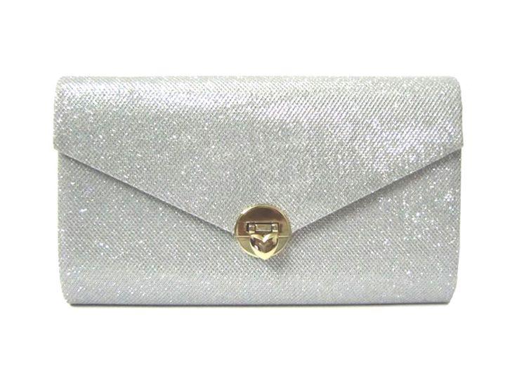 Beautiful wedding clutch bag from http://www.Chicastic.com   #bridal #clutchbag #wedding