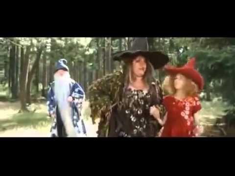 Fucsia la pequeña bruja - YouTube