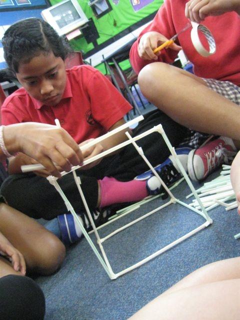 Gloria @ Pt England School: Straw Tower: Straw Tower, Pt England, Topic Ideas, England School, Classroom Activities