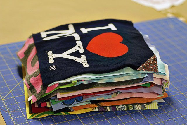 A T Shirt Quilt A Tutorial Baby Clothes Quilt Quilt