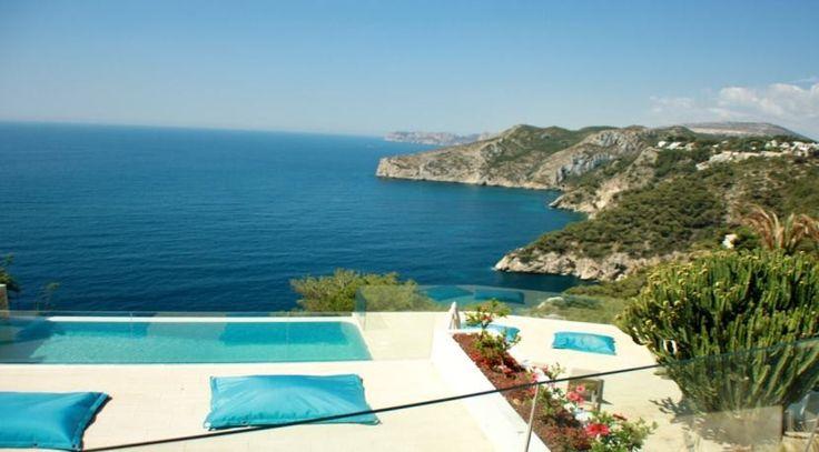 Ausblick einer Luxusvilla in Javea Ambolo. Traumhafte Immobilien an Spaniens Ostküste jetzt im Vertrieb unter: http://www.ott-kapitalanlagen.de/immobilien-spanien.html