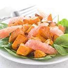 Een heerlijk recept: Geroosterde zoete aardappelen met grapefruitsalade