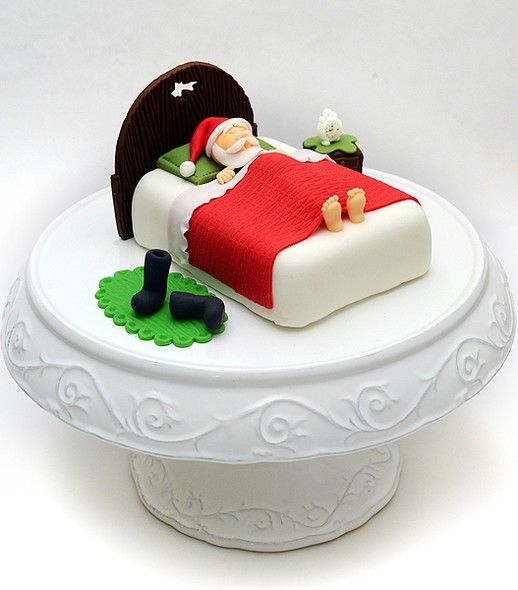 O ateliê Studio Cake (studiocake.com.br) oferece para o Natal uma linha de guloseimas especial. Dentre os destaques está o Bolo Pão de Mel com recheio de doce de leite em formato de cama, que traz o bom velhinho tirando um cochilo. Preço: R$ 125 (400 g)
