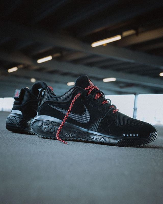 b2a9d777c333 The NIKE ACG DOG MOUNTAIN gets the MURDERED OUT treatment... - The latest