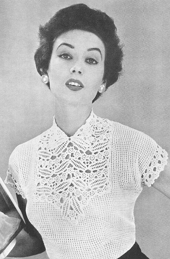 1955 Leaf and Flower Yoke Blouse Vintage Crochet par annalaia, $3.75