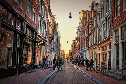 The Nine Little Streets (De Negen Straatjes) Shopping Guide, Amsterdam
