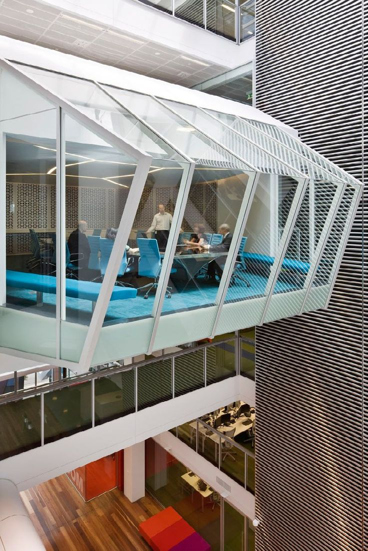 citizen office concept. ac 4 office swivel chairs in blue at macquarie sidney citizen concept