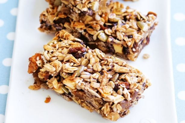 Your kids will love this health-right snack of chocolate muesli bars.