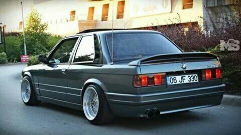 BMW 320i M///Sport (E30)