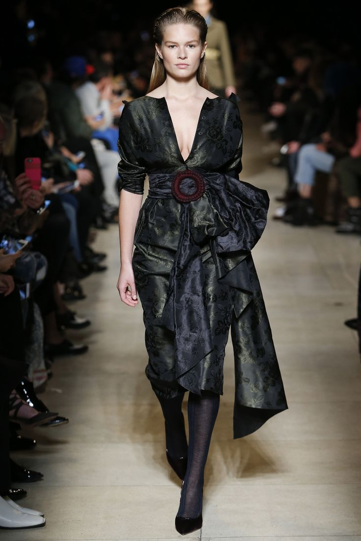 From Gigi and Bella Hadid, to Irina Shayk and Emily Ratajkowski, fashion's favorite faces closed Fashion Week with a bang at Miu Miu Fall/Winter 2016-2017 yesterday.