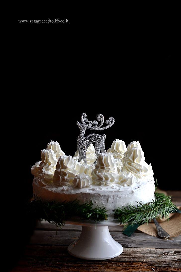 "Torta Biancaneve ""Snow White cake"" http://www.zagaraecedro.ifood.it/2016/12/torta-biancaneve.html"