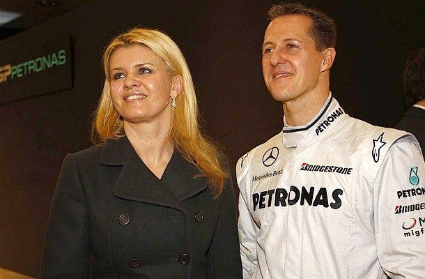 #MichaelSchumacher má nejtěžší období za sebou, říká jeho manželka Corinna.