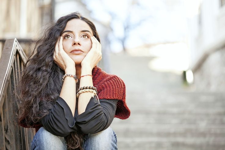 Všetky sme občas smutné, no ak sa neviete zbaviť pocitu, že vám už nikto a nič na tomto svete nedokáže urobiť radosť, nemusí to byť vaša vina.