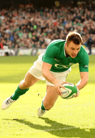 Ireland's Tommy Bowe scores a try during the RBS Six Nations match between Ireland and Italy at the Aviva Stadium this afternoon. Photograph: Billy Stickland/©INPHO