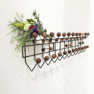 mais de 1000 ideias sobre vitra hang it all no pinterest. Black Bedroom Furniture Sets. Home Design Ideas