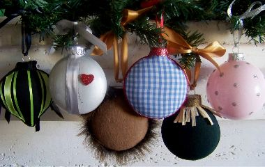 DIY Wizard of Oz ornaments. Simple...and you can name each character on sight! TOTALLY FOR MY MOM!!!