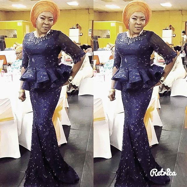 Woke up to this pics....thanks ma for wearing @shawlercouture....#theukpeople#navyblue#peplumgeneral#badoo#wearshawlercouture