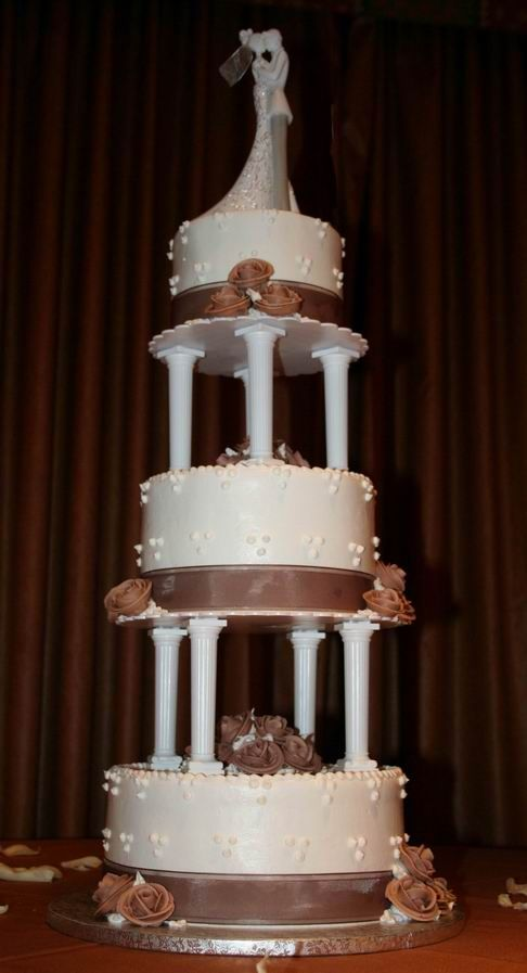 wedding cakes with pillars pillar wedding cakes three tiered wedding cake with 26077