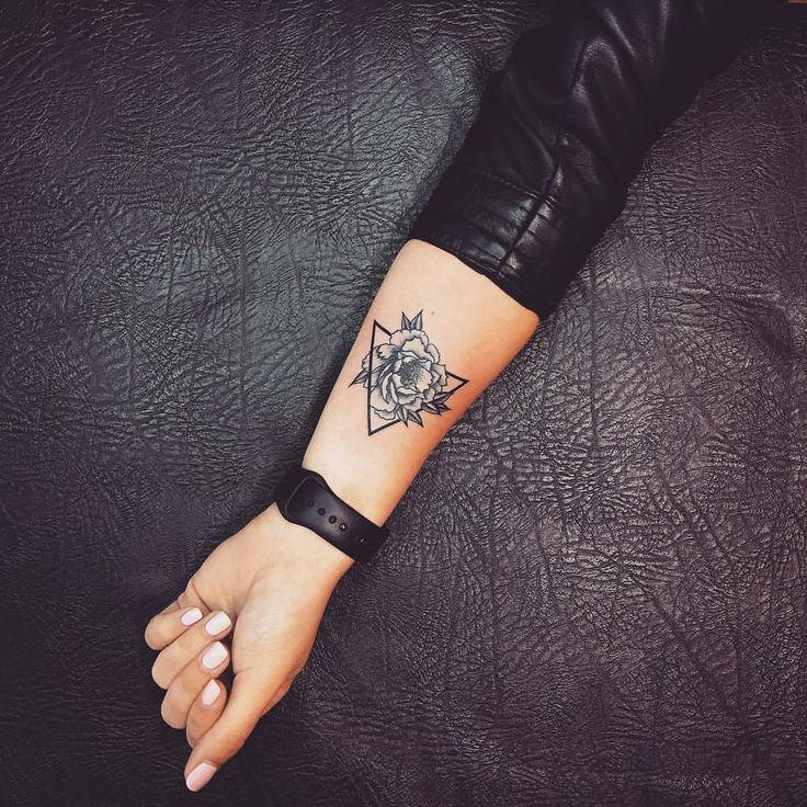 "3,732 Likes, 9 Comments - @goodtattooclub on Instagram: ""Мини #blacktattoo #skinartmag #wowtattoo #onlyblackart #inkstinctsubmission #tttpublishing #taot…"""