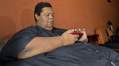 Hombre con 400 kilos se aferra a una esperanza de vida