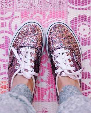 Pop of Pink. # Tag You're It! Five of our favorite Vans Girls pics from IG last week.