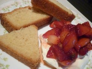 Almond Loaf Cake with Strawberries