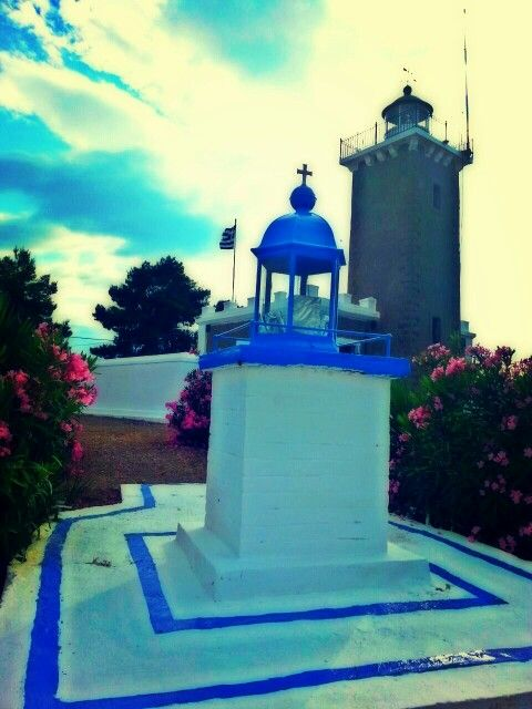 Built in 1908 this small light house is property of and is run by the Greek navy.