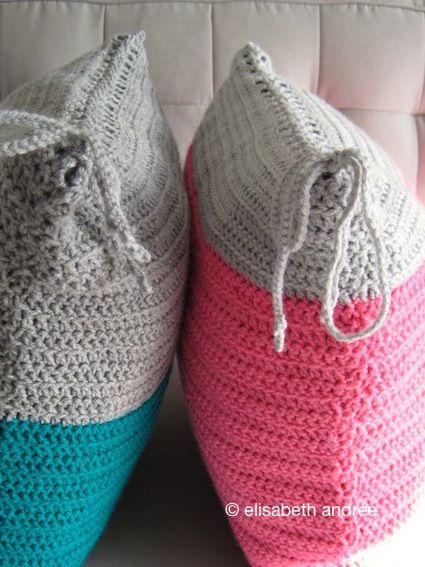 very easy cushion covers with a shoe lace closure by elisabeth andrée Tutorial ༺✿Teresa Restegui http://www.pinterest.com/teretegui/✿༻