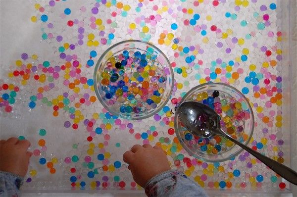play with water beads
