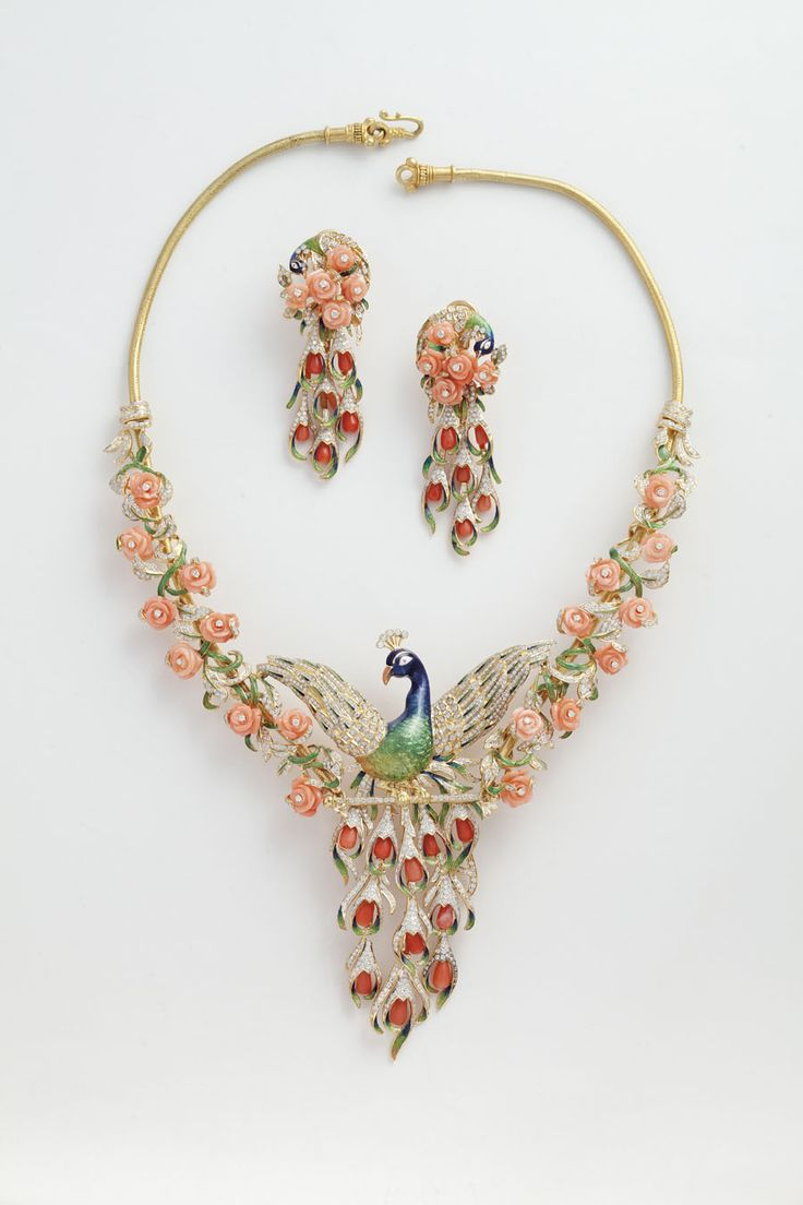 Peacock necklace from Jewels Emporium with carved gemstones, diamonds and enamel.
