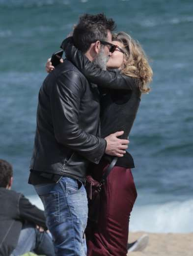 Celebrity PDA of 2017 - December 11, 2017:  Jeffrey Dean Morgan and wife Hilarie Burton stopped to share a romantic kiss while enjoying a family vacation in Barcelona with son Augustus on March 13.
