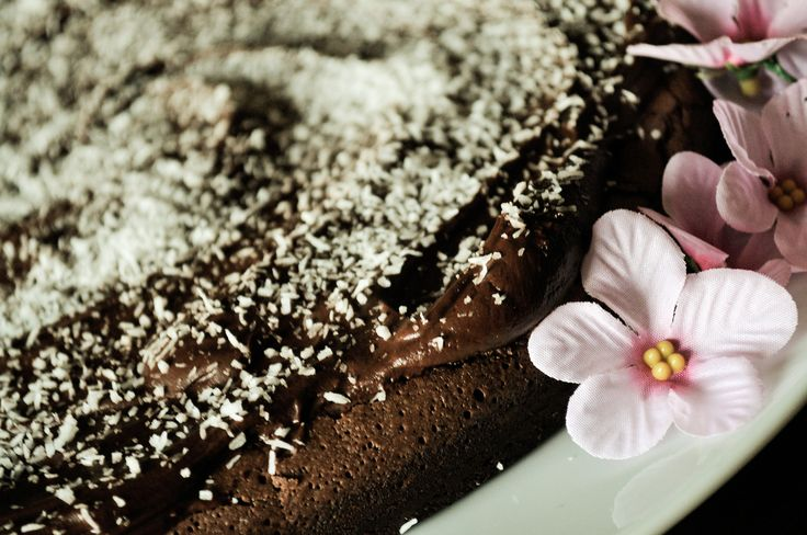 https://flic.kr/p/pjWg2u | For M | ebbene si, finalmente sei tornata sorellona e come dovere (ma anche piacere) ti do il ben tornata e ti auguro ancora tantissimi auguri di compleanno con questa torta cioccolatosa <3 Vorrei specificare che non è nutella quella ma una crema al cioccolato fondente u.u Mi impegno molto per rendere contente le mie sorelline e i miei nipotini, almeno con i dolci :)