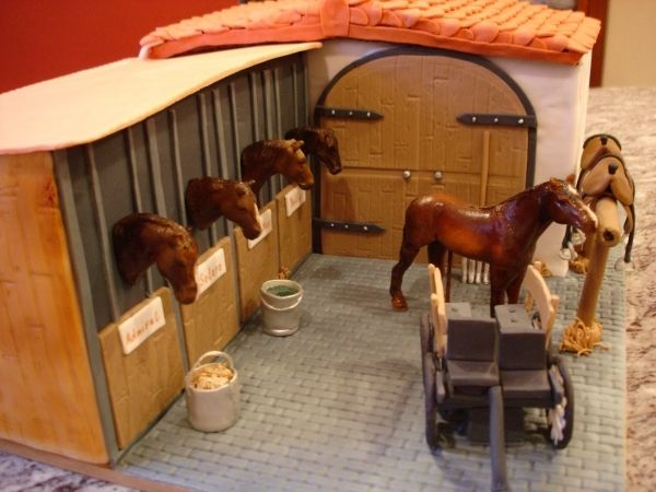 Horse stable cake - Would this be a great cake to make for Heather? Wish I was there for her birthday!