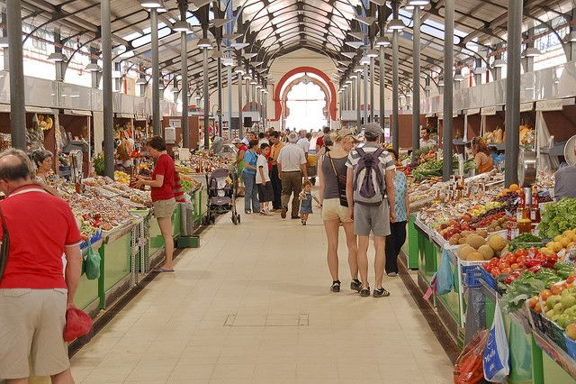 Loule Food Market, Praça de loule, Algarve, Portugal  2008 by kruijffjes, via Flickr