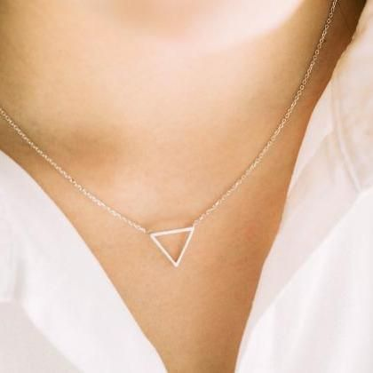 925 line triangle necklace